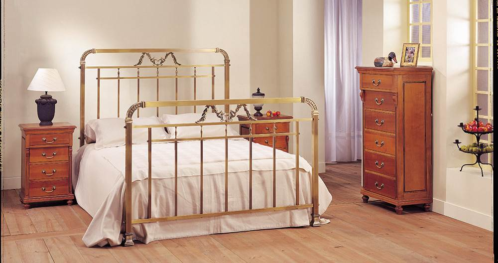 Dormitorio Adriana latón 39 | Muebles Saskia en Pamplona