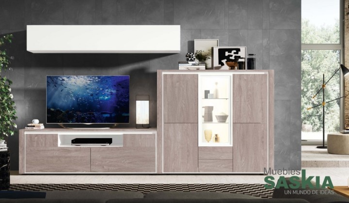 Composición de salón moderno, equilibrada y clara