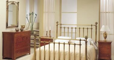 Dormitorio Susana latón 38