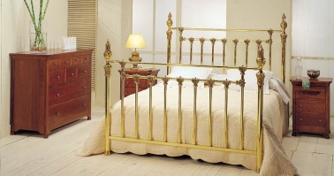 Dormitorio Tristana latón 40
