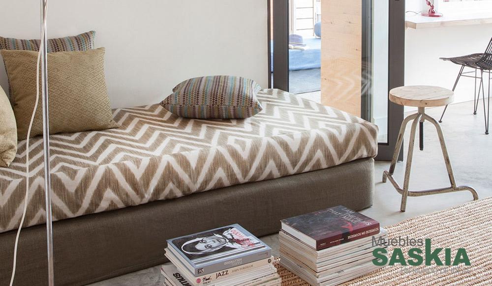 Dise o actual tela para tapizar muebles saskia en pamplona for Actual muebles