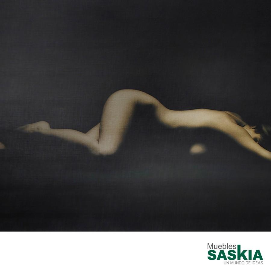 Lámina figura femenina 70x50