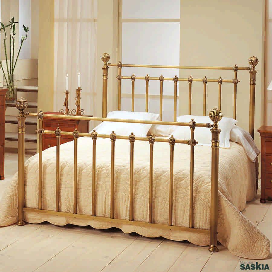 Cama susana lat n cama susana muebles saskia en pamplona - Cabeceros de cama antiguos ...