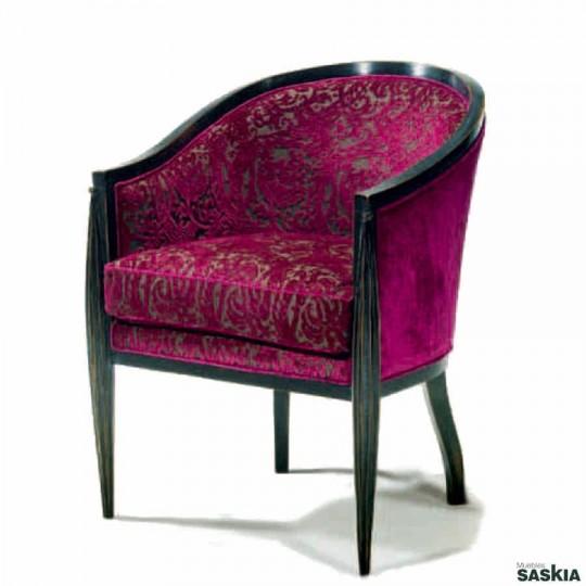 Exquisita sillón estilo louis xvi realizado en madera maciza haya. Laca gris claro desconchado, tapizado.
