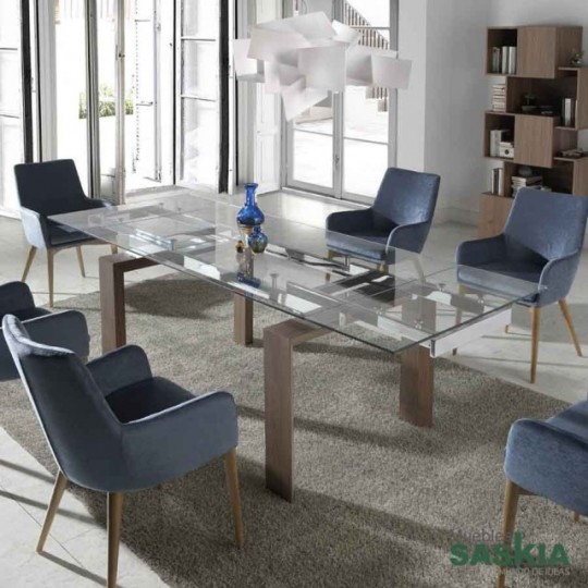 Mesa de comedor extensible con tapa de cristal templado y patas chapadas en nogal. (160/240x90x75)