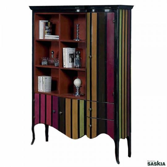 Original librero realizado en madera maciza de tilo y cerezo silvestre. Acabado multirayas tango, y laca frambuesa.