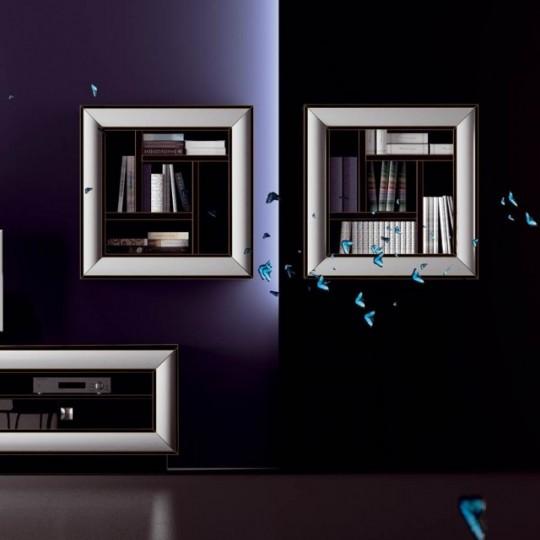 Librería suspendida enmarcada con moldura.