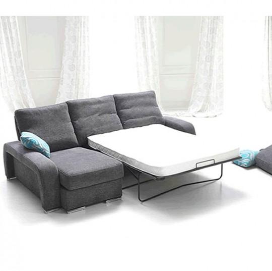 Sofá cama de concepto modular,con asientos extra-alto, modulo chaise longue, y patas en maderas.Opción de patas en metal, brazo móvil con ruedas que permite desplazarse.