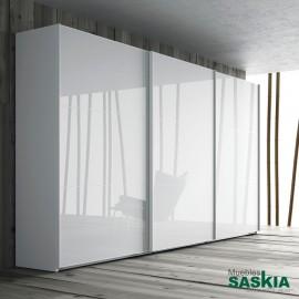 Armario moderno blanco brillo con puertas correderas