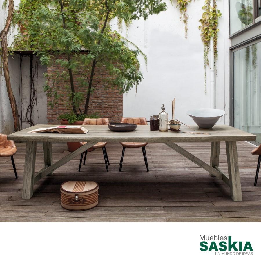 Mesa master, mesa fija con beta en la madera