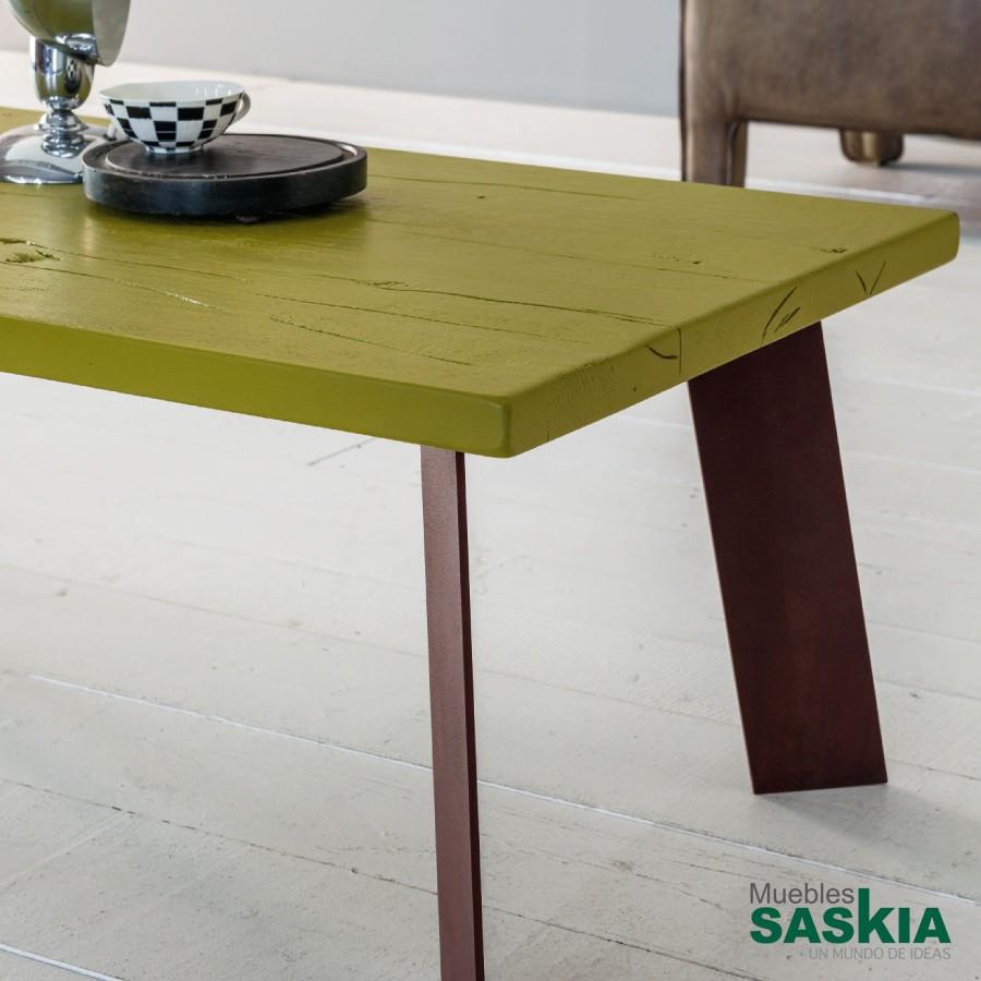 Mesa de centro en color verde llamativo