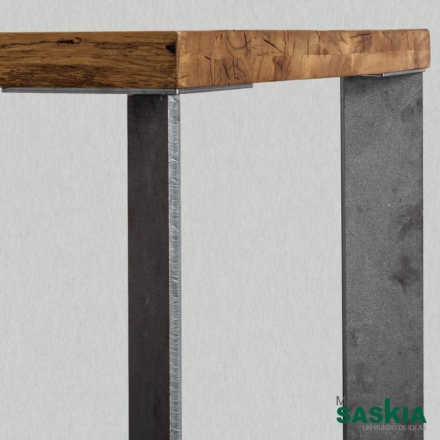 Mesa master, mesa fija con patas de hierro