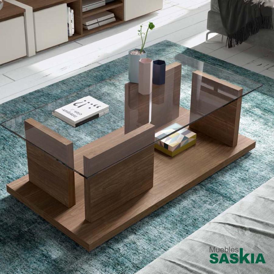Mesa de centro rectangular, con tapa de cristal